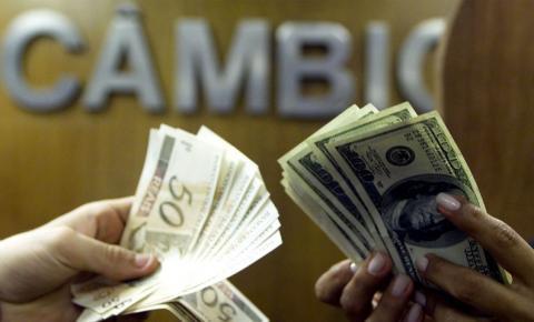 Dólar cai pela primeira vez no mês e fecha a R$ 5,17