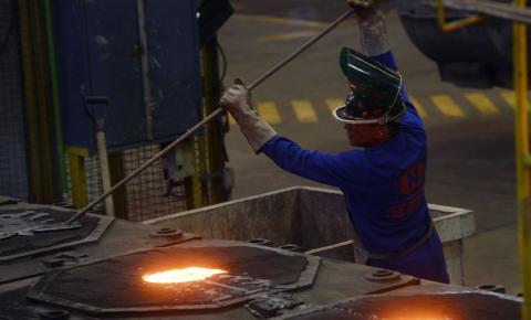 Indústria do aço volta a ter produção no nível pré-pandemia